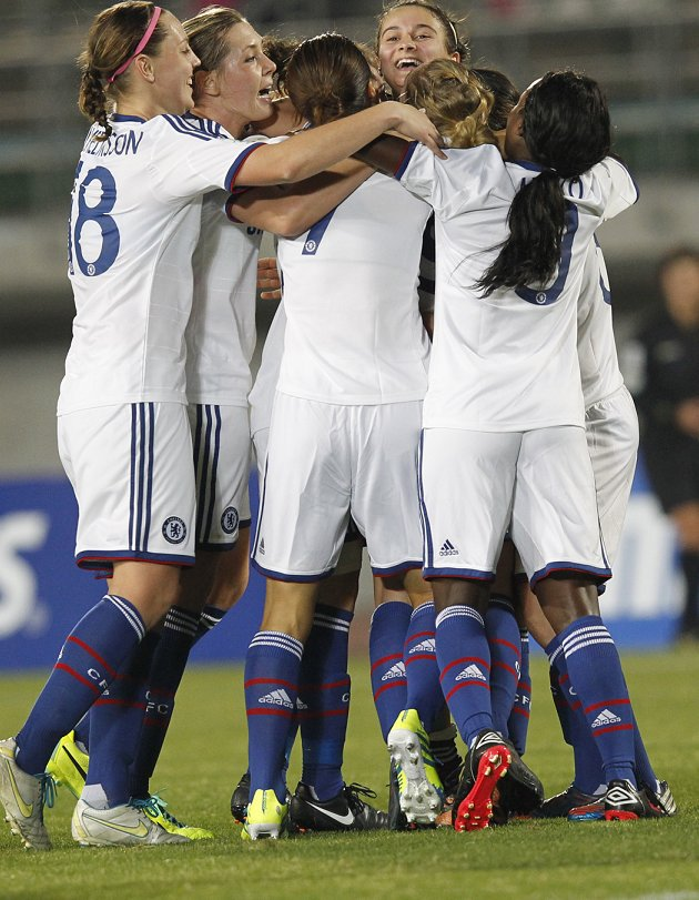 ​Chelsea Ladies secure Carney to new deal
