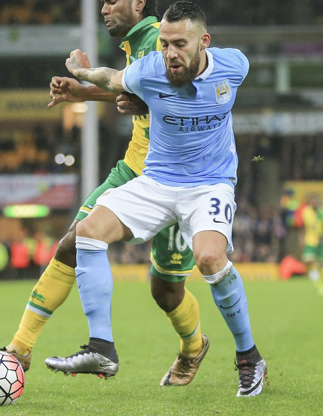 Agents for Man City defender Otamendi in Real Madrid contact