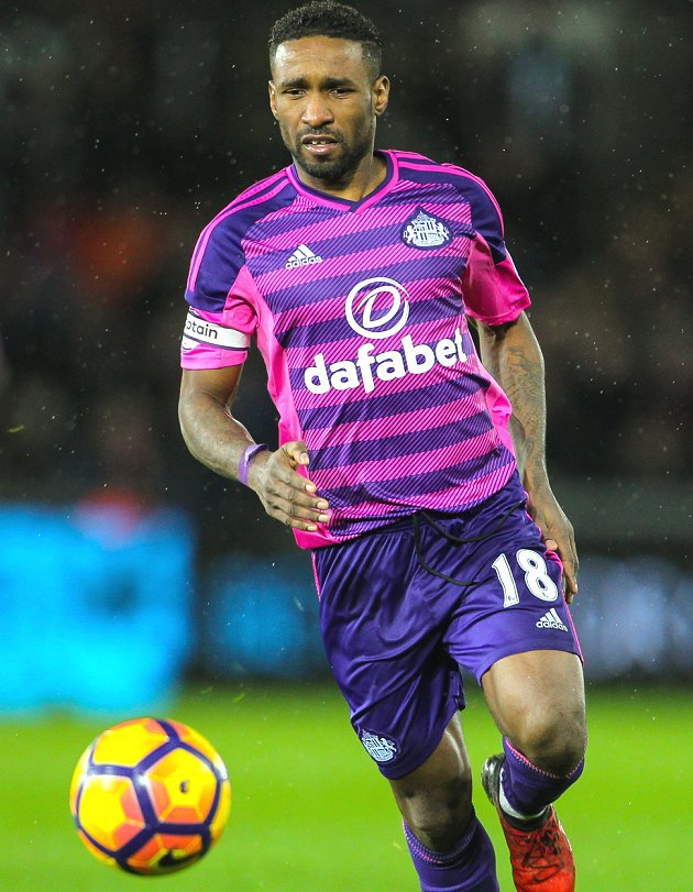 Sunderland striker Jermain Defoe to start for England