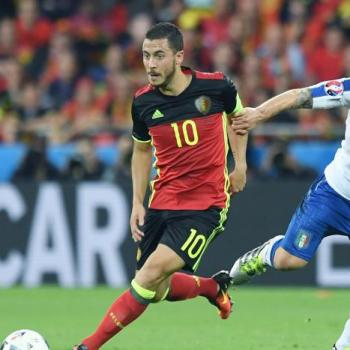 BREAKING NEWS - Chelsea submit HAZARD big-time renewal offer