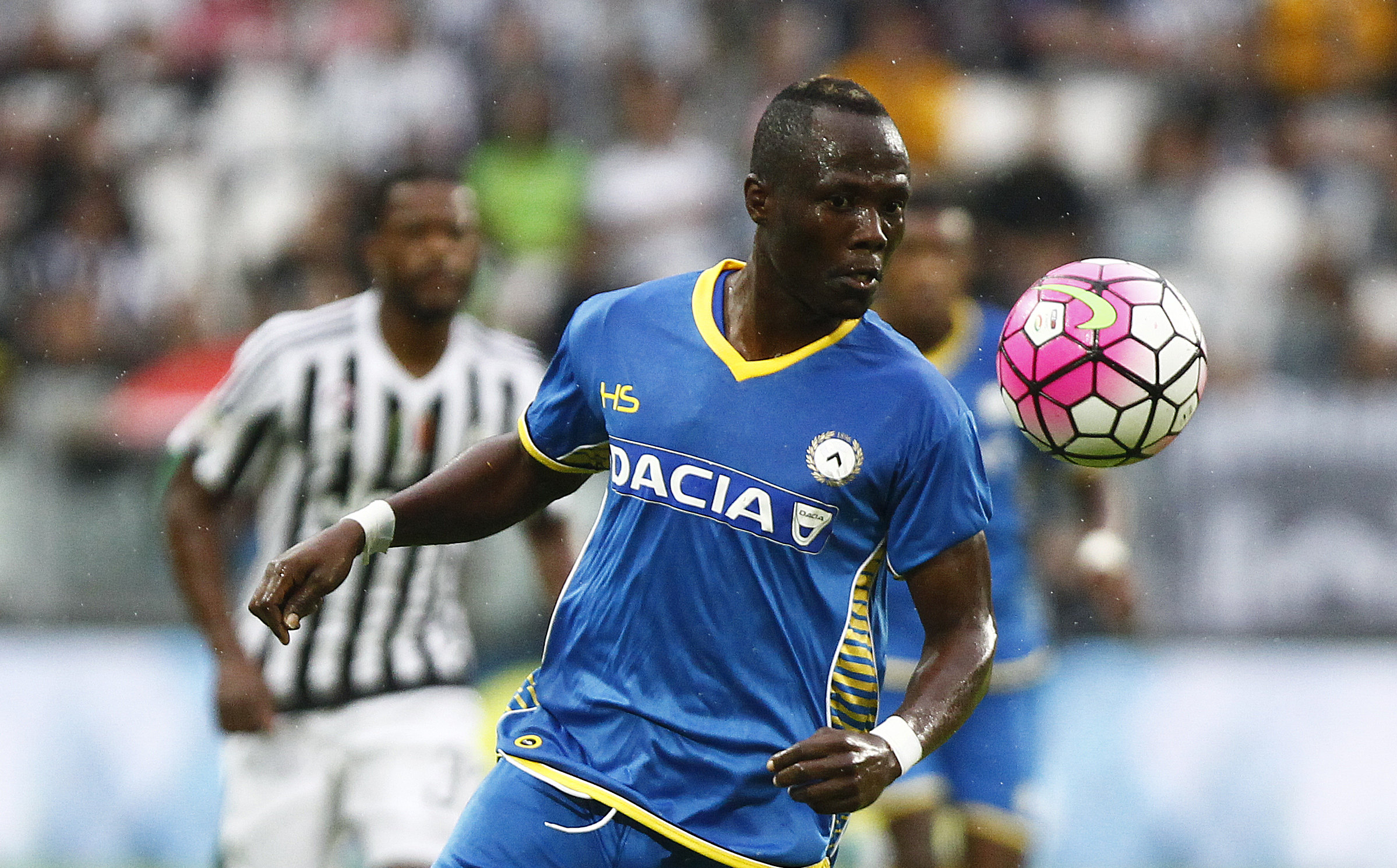 Emmanuel Agyemang Badu could realize his dream of playing in England this summer