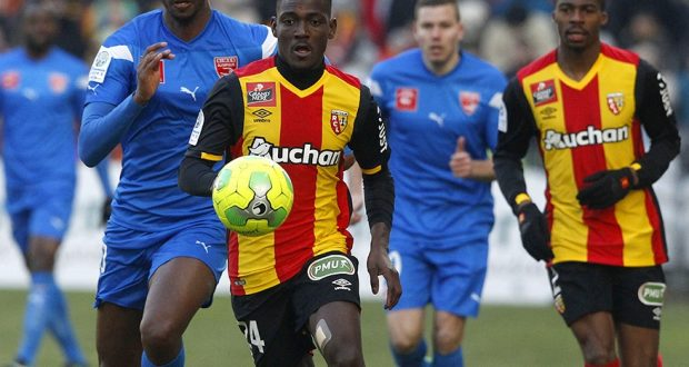 Fans of French side Lens want Ghanaian defender Daniel Opare out of the club