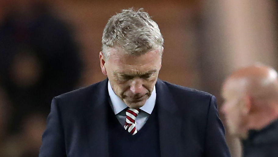 Sunderland Manager Ignores Fans and Their Requests for Him Leave the Black Cats