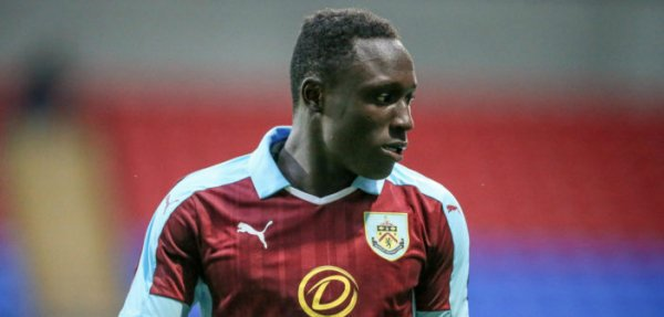 Burnley Boss praises forward Dan Agyei after performance against Manchester United