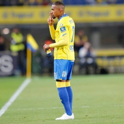 Kevin Prince Boateng sent off in Atletico Madrid's 5-0 drubbing of Las Palmas