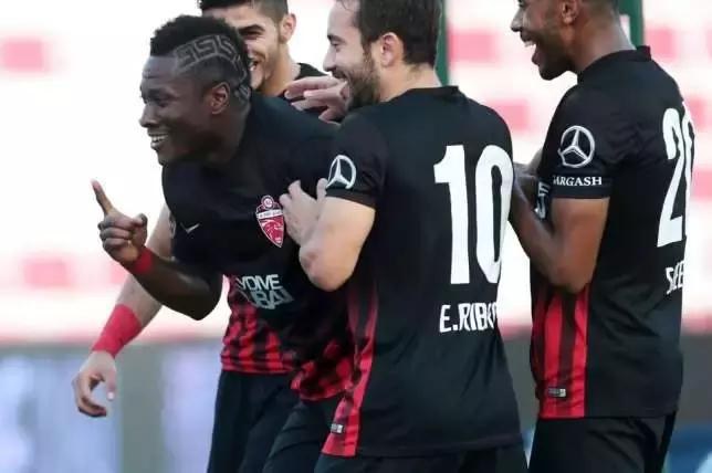 Black Stars captain Asamoah Gyan scores for Al Ahli in 2-2 stalemate with Al Sharjah