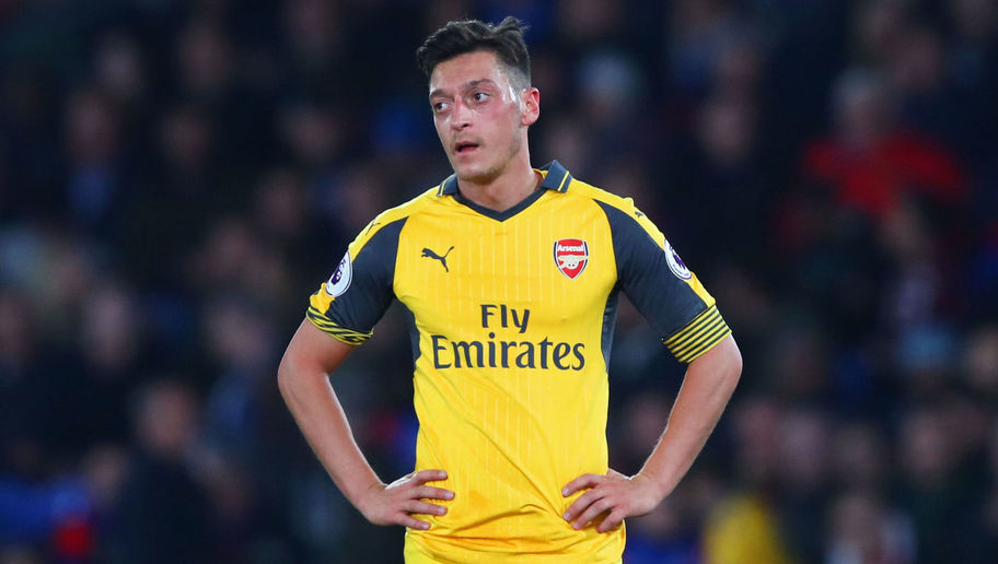 Arsenal Need to Ditch Ozil & Keep Sanchez in Order to Bounce Back Next Season