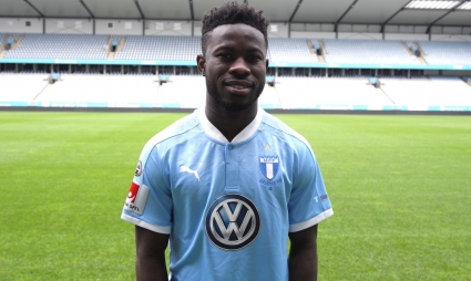 VIDEO: Swedish giants Malmo FF unveil new Ghanaian signing Kingsley Sarfo