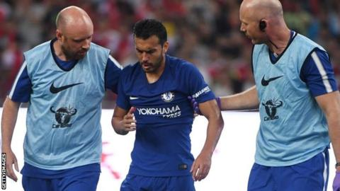 Pedro: Chelsea winger 'OK' after collision with Arsenal's David Ospina