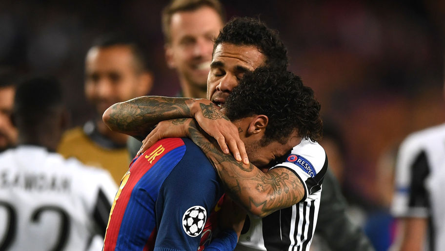 Report Claims Alves Moved to PSG Instead of Man City Because Neymar Said He Would Join Him There