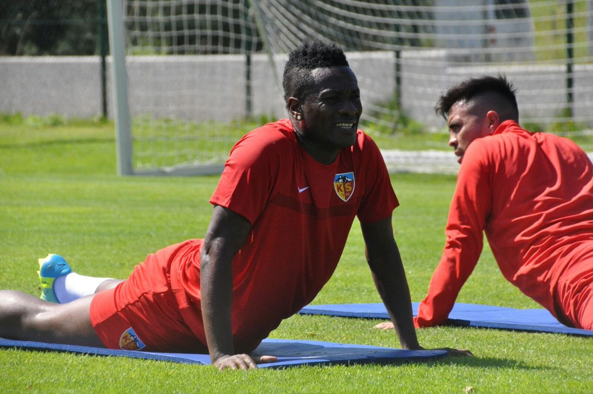 Asamoah Gyan bangs BRACE on Kayserispor debut in pre-season win over Hannover