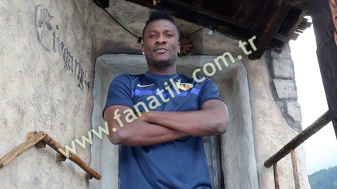 Ghana captain Asamoah Gyan earned 7.5 millions Euros in China