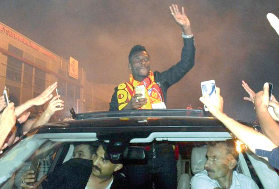Turks are crazy football fans - Asamoah Gyan