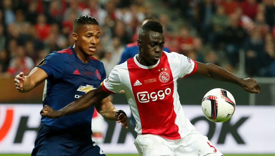 Tottenham & Ajax at Odds Over Sanchez Asking Price as Spurs Target 'Agrees' Personal Terms