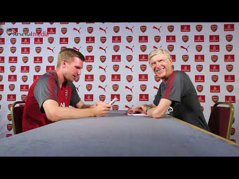 Who doesn't Per want to fight? Mertesacker v Wenger | Emirates Rapid Fire