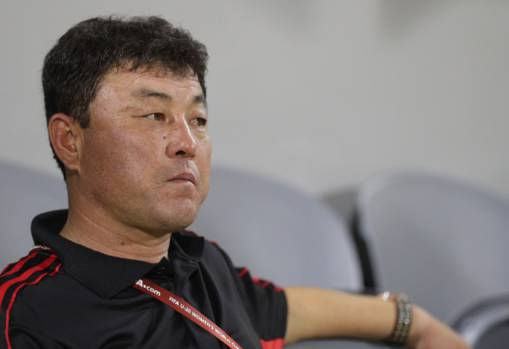 Hwang Yong-bong in the running for FIFA Women's Coach 2017 award