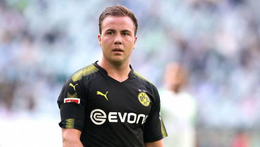 Peter Bosz Happy With Götze's Return as Dortmund Cruise to 0-3 Victory at Wolfsburg