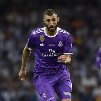 REAL MADRID offer BENZEMA a 2-year long extension