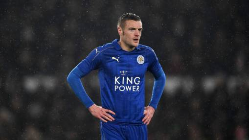 Leicester's Craig Shakespeare not worried by Jamie Vardy ankle knock