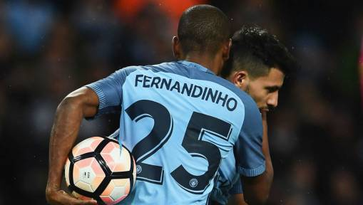Fernandinho Hails the Impact of Manchester City's New Signings Ahead of Clash Against Everton