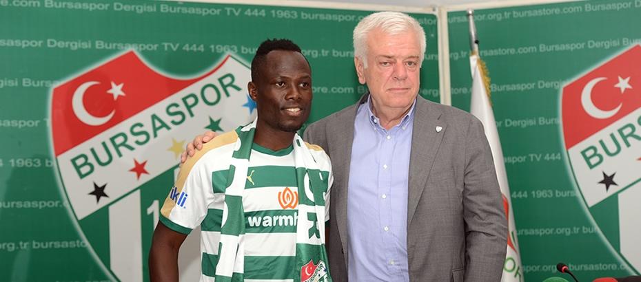 PHOTOS: Turkish side Bursaspor unveil new signing Emmanuel Agyemang-Badu
