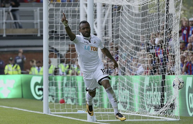 Video: Swansea City star Jordan Ayew scores season's first league goal as Swans defeat Crystal Palace