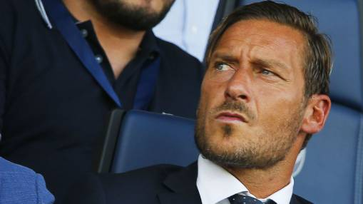 Roma director Francesco Totti starts UEFA B Licence coaching course