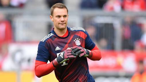 Bayern Lose Manuel Neuer Until January 2018 After Operation on Fractured Metatarsal