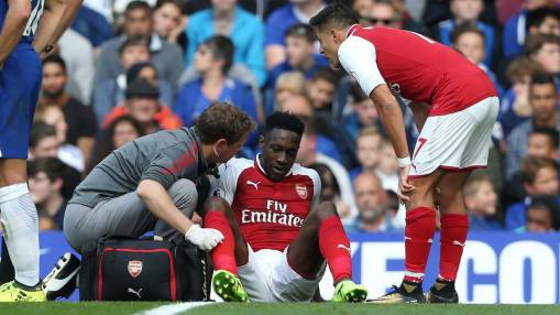 Arsenal's Danny Welbeck out at least three weeks with groin injury