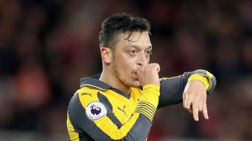 Mesut Ozil will let Arsenal contract run out in search of Man United move