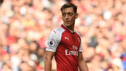 Ozil wants to swap Arsenal for Man United
