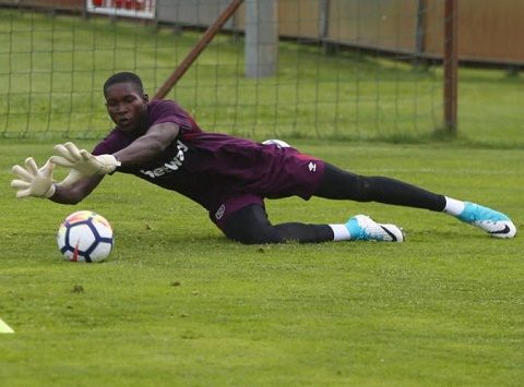West Ham working around the clock to secure work permit for talented Ghanaian goalkeeper Joseph Annan
