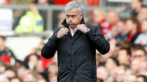 Jose Mourinho: No new Manchester United deal, no PSG move