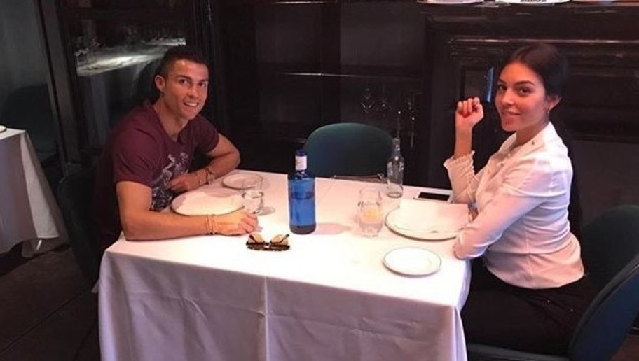 PHOTO: Cristiano Ronaldo Receives Twitter Mockery After 'Best Restaurant in Town' Post