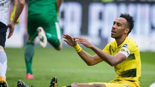 Pierre-Emerick Aubameyang isolated, defence collapses vs. Frankfurt