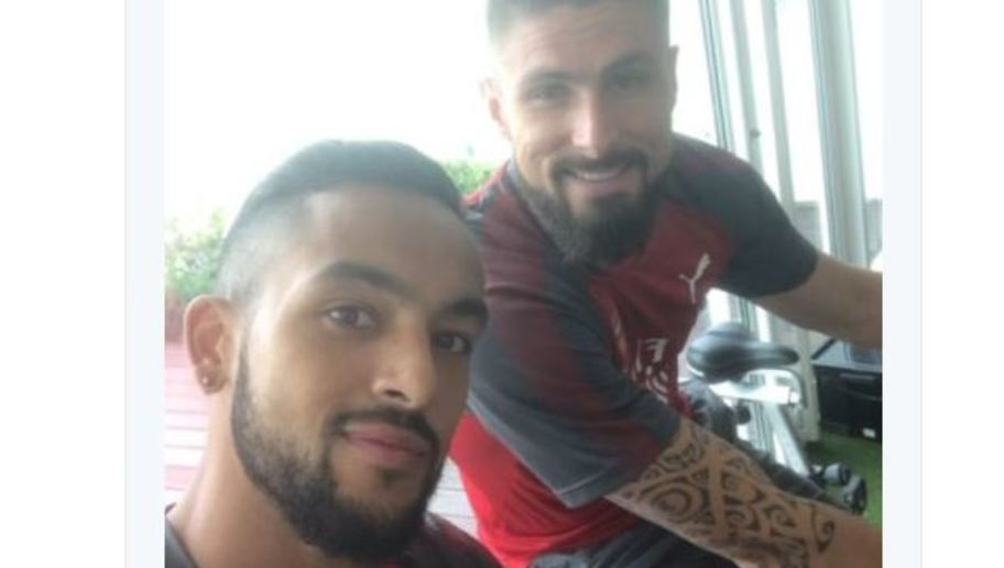 Theo Walcott Gets Rinsed Following Regrettable Tweet
