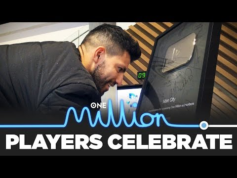 PLAYERS CELEBRATE 1 MILLION SUBS! | YouTube Gold Button Signing