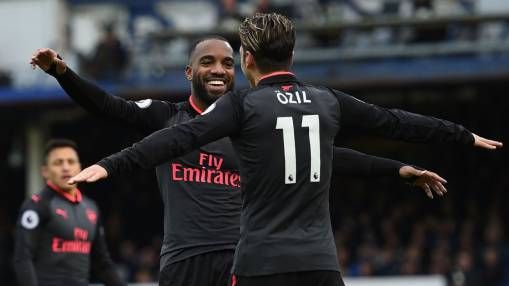 Arsenal tear through Everton for first Premier League away win of the season