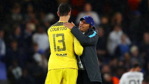 Chelsea players are ready to fight for coach Antonio Conte - Courtois