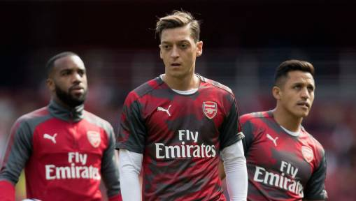 Ex-Man Utd Star Claims Rumoured Target Mesut Ozil 'Wouldn't Last Long' at Old Trafford