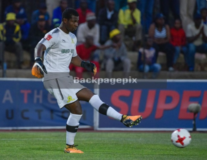 Goalkeepers Razak Brimah and Richard Ofori exchange pleasantries ahead of Sundowns-Maritzburg clash