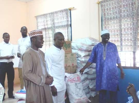 Ghana coach Kwasi Appiah donates to Widows & Widowers Foundation in Accra