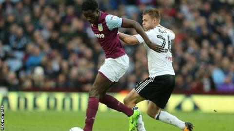 Davis signs new deal with Aston Villa