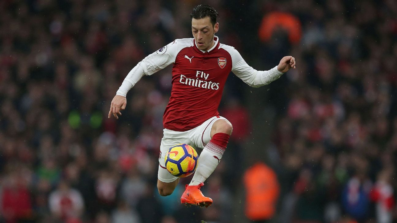 Schalke would welcome Mesut Ozil return, but won't happen next summer