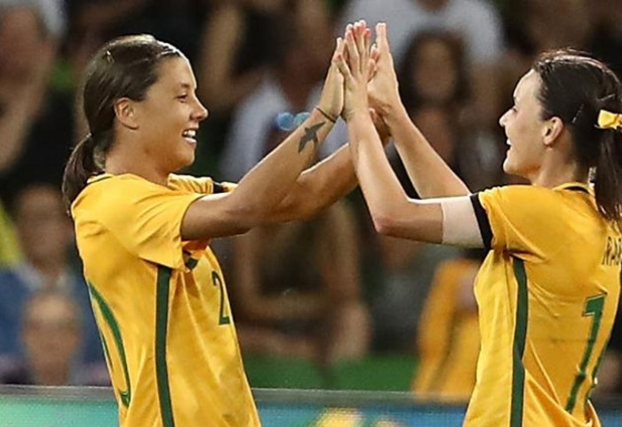 Kerr powers Australia to win over China