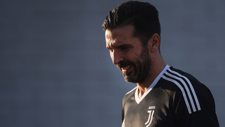 Juventus & Italy Legend Buffon Promises to Swap Shirts With Barcelona Player: 'It's Waiting for You'