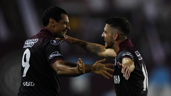 Gremio and Lanus ready for final push