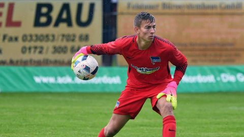 Just don't call him Jürgen... Who is Jonathan Klinsmann, son of Jürgen, and Hertha's new goalkeeping prospect? vor 2 Stunden