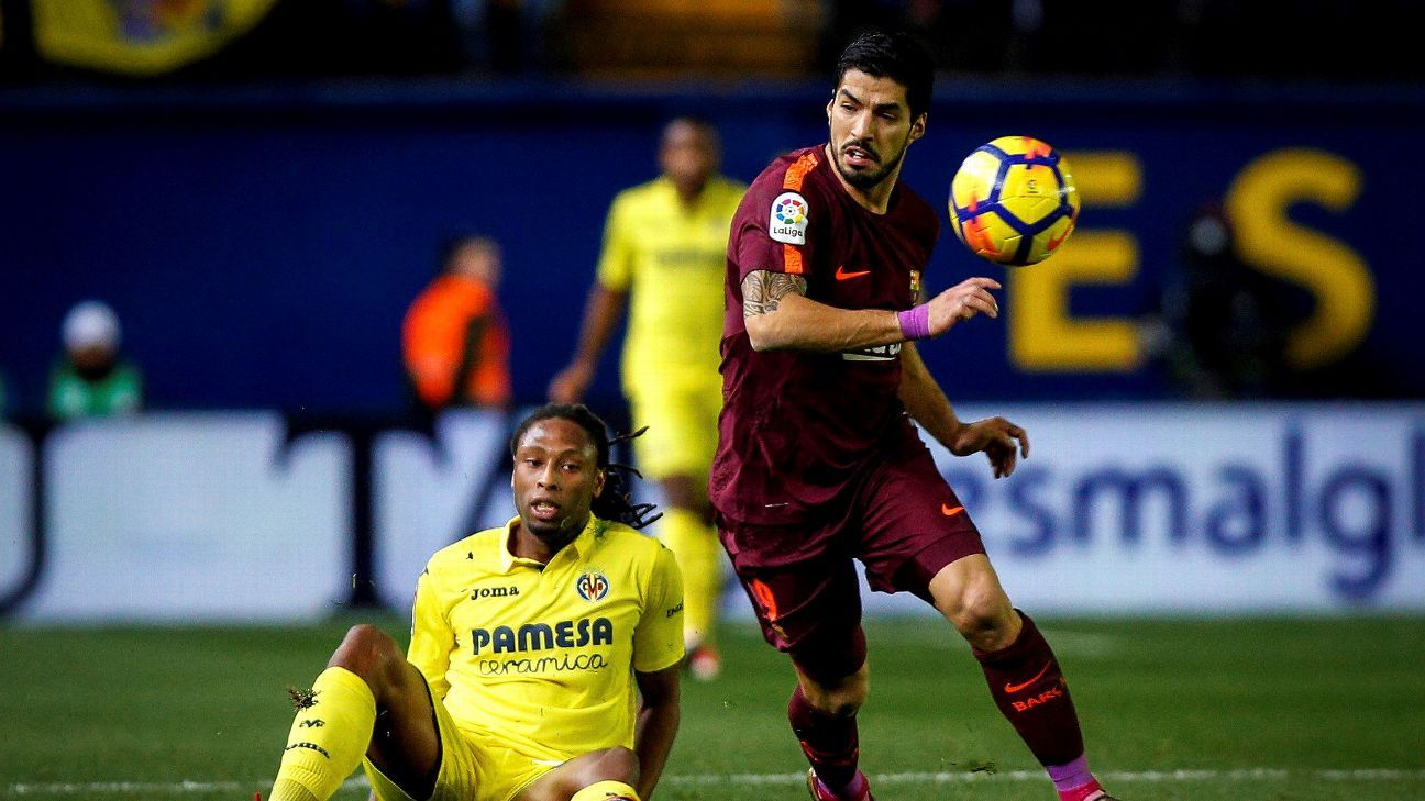 Luis Suarez, Lionel Messi on target as Barcelona pads La Liga lead