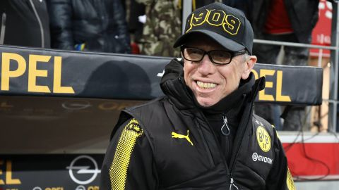 The Stöger Effect Peter Stöger oversaw a welcome and notable win on his debut as Borussia Dortmund head coach. vor 2 Stunden